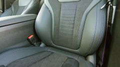 BMW M, i sedili in Alcantara