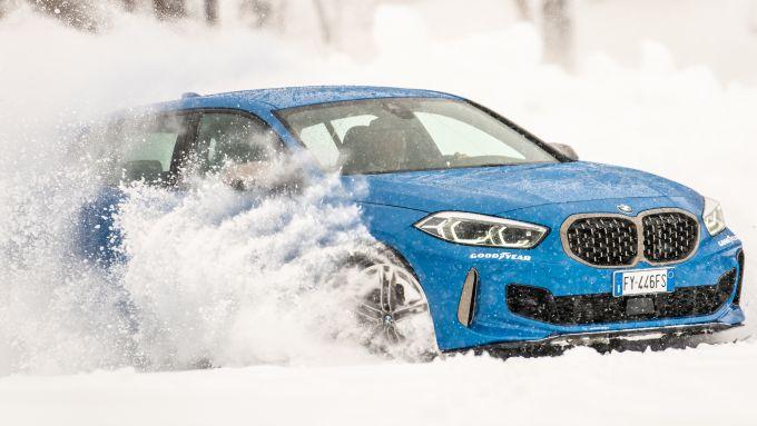 BMW M135i xDrive, la trazione integrale alle prese col ghiaccio