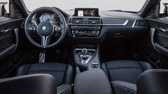 BMW M2 Competition: ora insidia anche le grandi con 410 cv - Immagine: 22