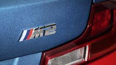 BMW M2 Coupé: la magica scritta sul posteriore toglie ogni dubbio sulla natura dell'auto