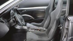 BMW M3 CSL: la plancia e i sedili con struttura in fibra di carbonio