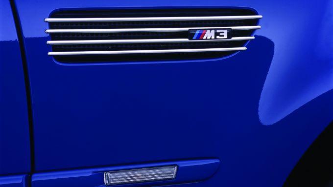 BMW M3 E46: le branchie sui fianchi hanno funzione estetica