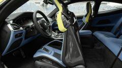 BMW M4 2021: con la coupé si sposta il sedile e si va dietro