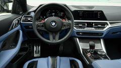 BMW M4 2021: il volante e la plancia
