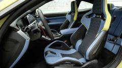 BMW M4 2021: l'abitacolo anteriore della coupé
