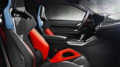 BMW M4 Competition Coupé: i sedili anteriori e la plancia