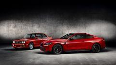 BMW M4 Competition Coupé: il rosso richiama quello della M3 E30