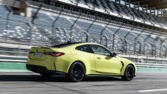 BMW M4 Coupé 2021: una silhouette più snella della cugina M3