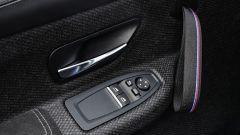 BMW M4 CS: dettaglio dei pannelli porta ultraleggeri