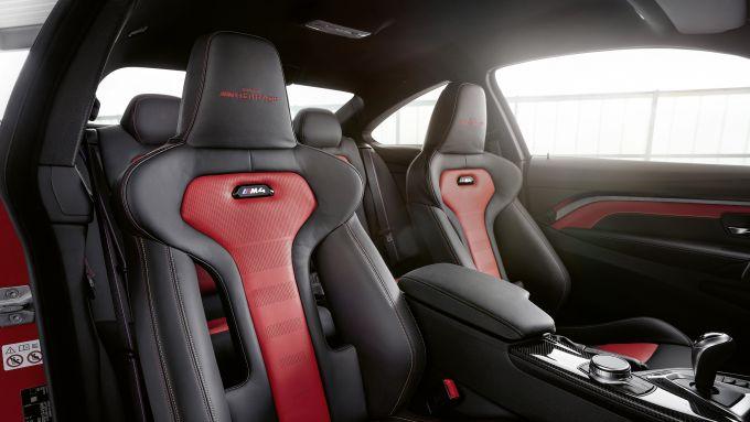 BMW M4 Edition Heritage: gli internu