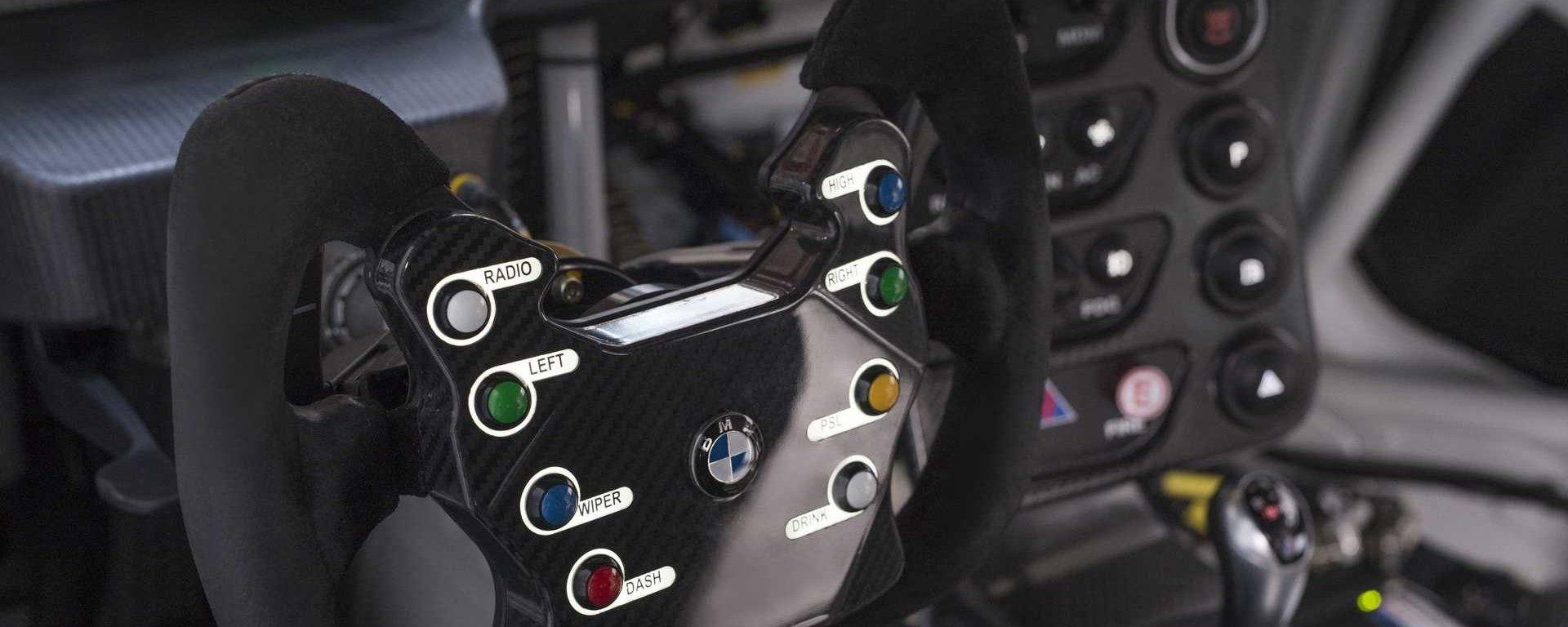 BMW M4 GT4: vendesi animale da pista per 169mila Euro
