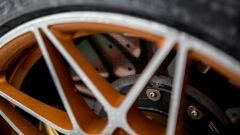 BMW M4 GTS: i freni in carboceramica sono di serie