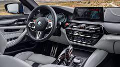 BMW M5 2017: dettaglio del cruscotto