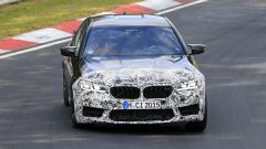 BMW M5 2021, foto spia: vista frontale