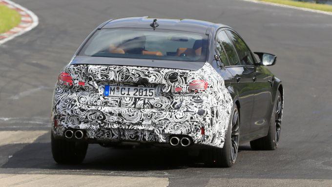 BMW M5 2021: la versione Clubsport avrà uno spoiler più pronunciato
