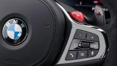 BMW M5 CS 2021, dettaglio del volante