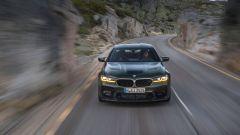 BMW M5 CS 2021 ha 10 CV in più della M5 Competition e consuma meno
