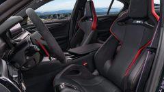 BMW M5 CS 2021, i sedili anteriori in carbonio
