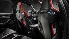 BMW M5 CS 2021, il dorso dei sedili M Carbon
