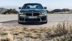 BMW M5 CS 2021, il frontale
