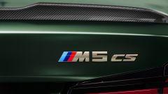 BMW M5 CS 2021, la targhetta del modello