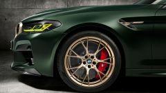 BMW M5 CS 2021, le pinze rosse sono standard, optional in oro