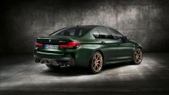 BMW M5 CS 2021, lo scarico ha 4 terminali