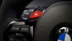 BMW M5 CS 2021, particolare del volante