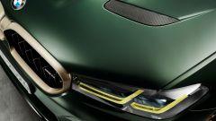BMW M5 CS 2021, tocchi di giallo nella firma luminosa