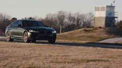 BMW M5 CS 2021, vista 3/4 anteriore