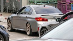 BMW M5 CS: la prima foto del posteriore