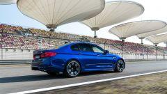 BMW M5: vista 3/4 posteriore