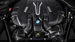 BMW M550i xDrive: il V8 biturbo