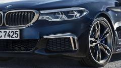 BMW M550i xDrive: le nuove prese d'aria anteriori