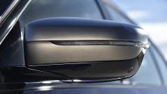 BMW M550i xDrive: piccole modifiche anche agli specchietti
