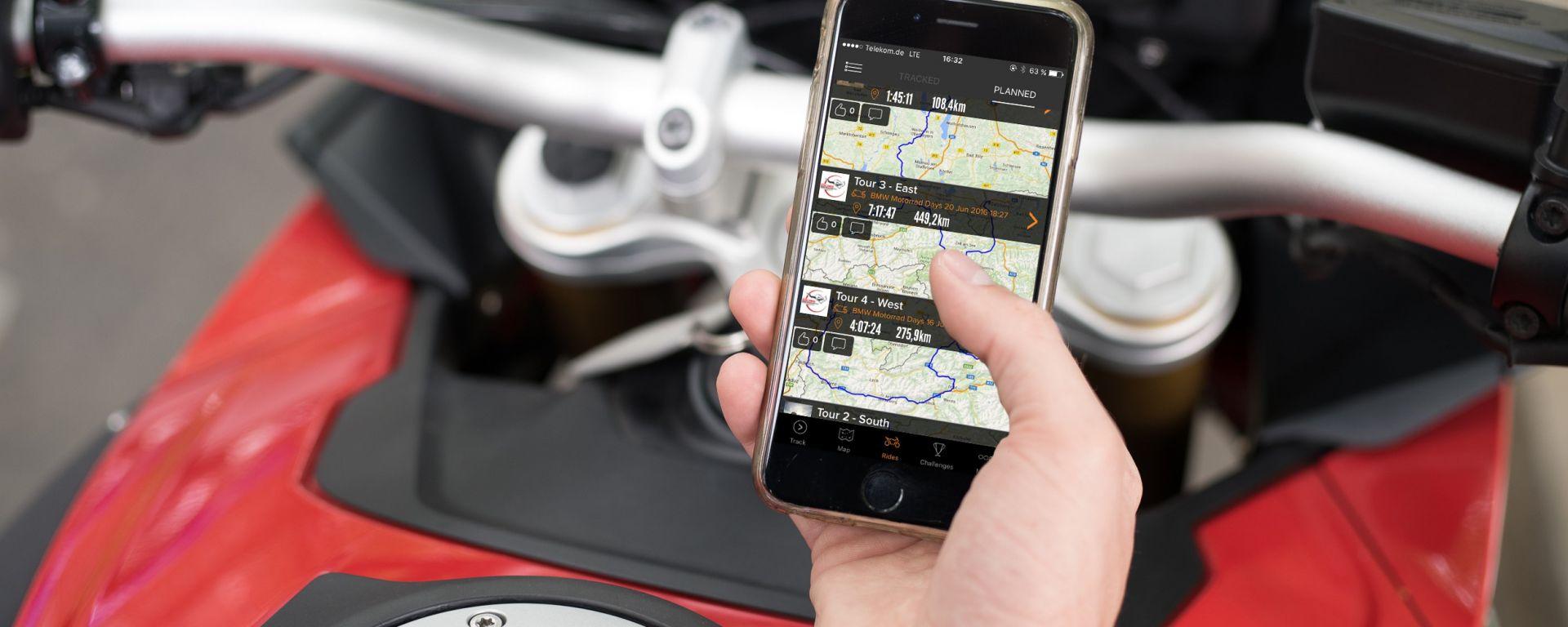 BMW Motorrad: accordo con Rever, app di itinerari per moto