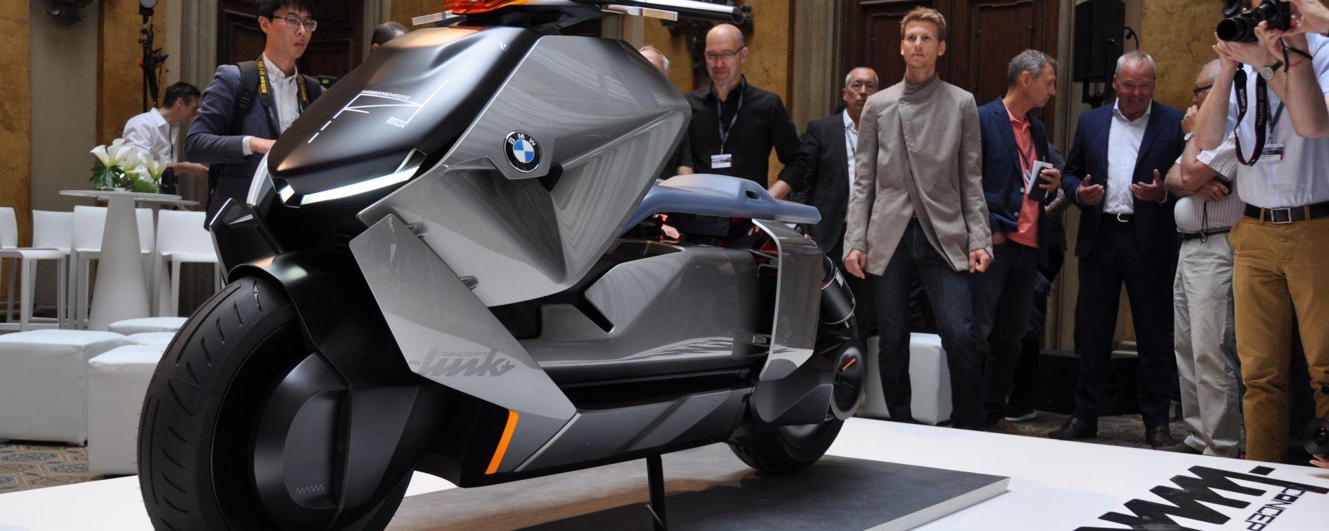 BMW Motorrad Concept Link, lo scooter elettrico del futuro secondo BMW