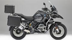 BMW Motorrad Edition Black: i nuovi accessori visti dal lato destro