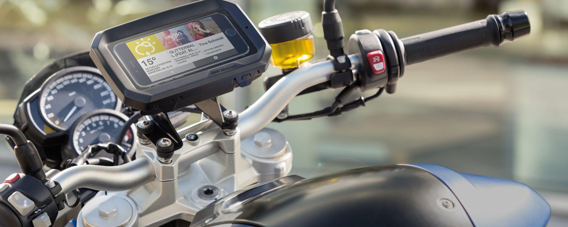 BMW Motorrad: un nuovo supporto per smartphone