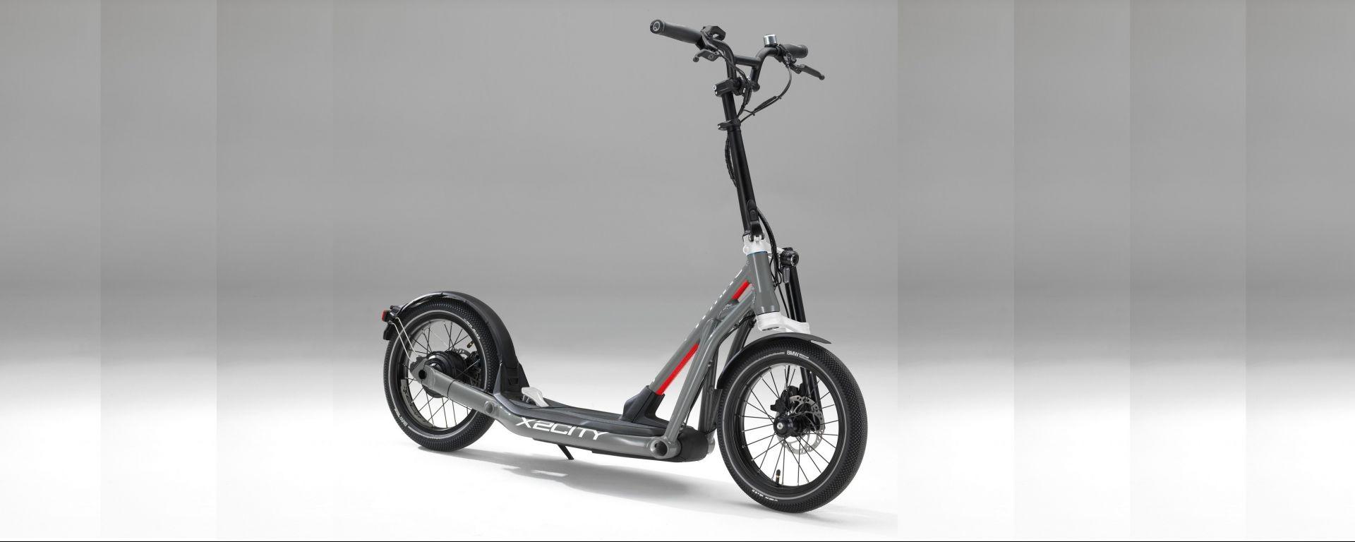 BMW Motorrad X2City: il monopattino elettrico per l'ultimo miglio