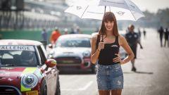 BMW NEXT 100 Festival, le ombrelline del Mini Challenge