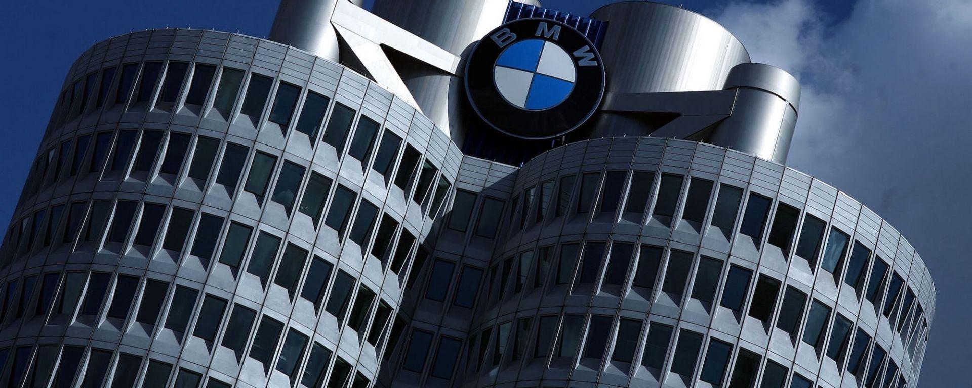 BMW, perquisite due sedi per manipolazione software motori diesel
