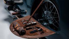 BMW R 100 RS Good Gost, nei passaruota gli attrezzi per la manutenzione
