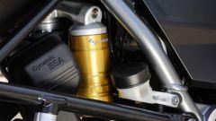 BMW R 1200 GS Exclusive: le sospensioni Dynamic ESA capisce il carico e adatta il precarico del mono in automatico