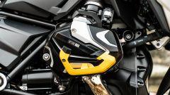 BMW R 1250 GS 40 Years 2021: il copri testata in giallo