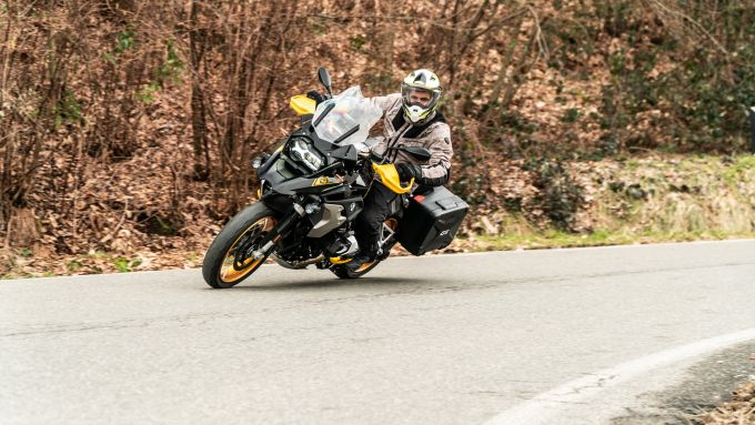 BMW R 1250 GS 40 Years 2021: in movimento diventa agile, oltre la stazza