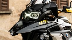 BMW R 1250 GS 40 Years 2021: tra gli optional i fari a LED con funzione cornering