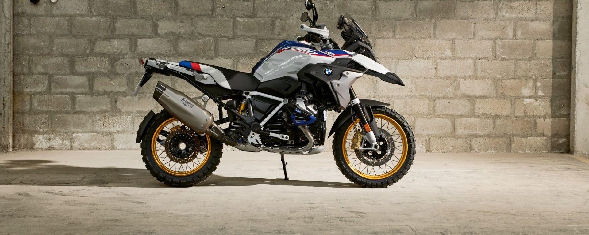 BMW R 1250 GS: cambiano il motore e l'estetica. Ecco quanto costa