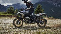 BMW R 1250 GS: cambiano il motore e l'estetica. Ecco quanto costa - Immagine: 6