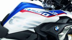 BMW R 1250 GS: cambiano il motore e l'estetica. Ecco quanto costa - Immagine: 11